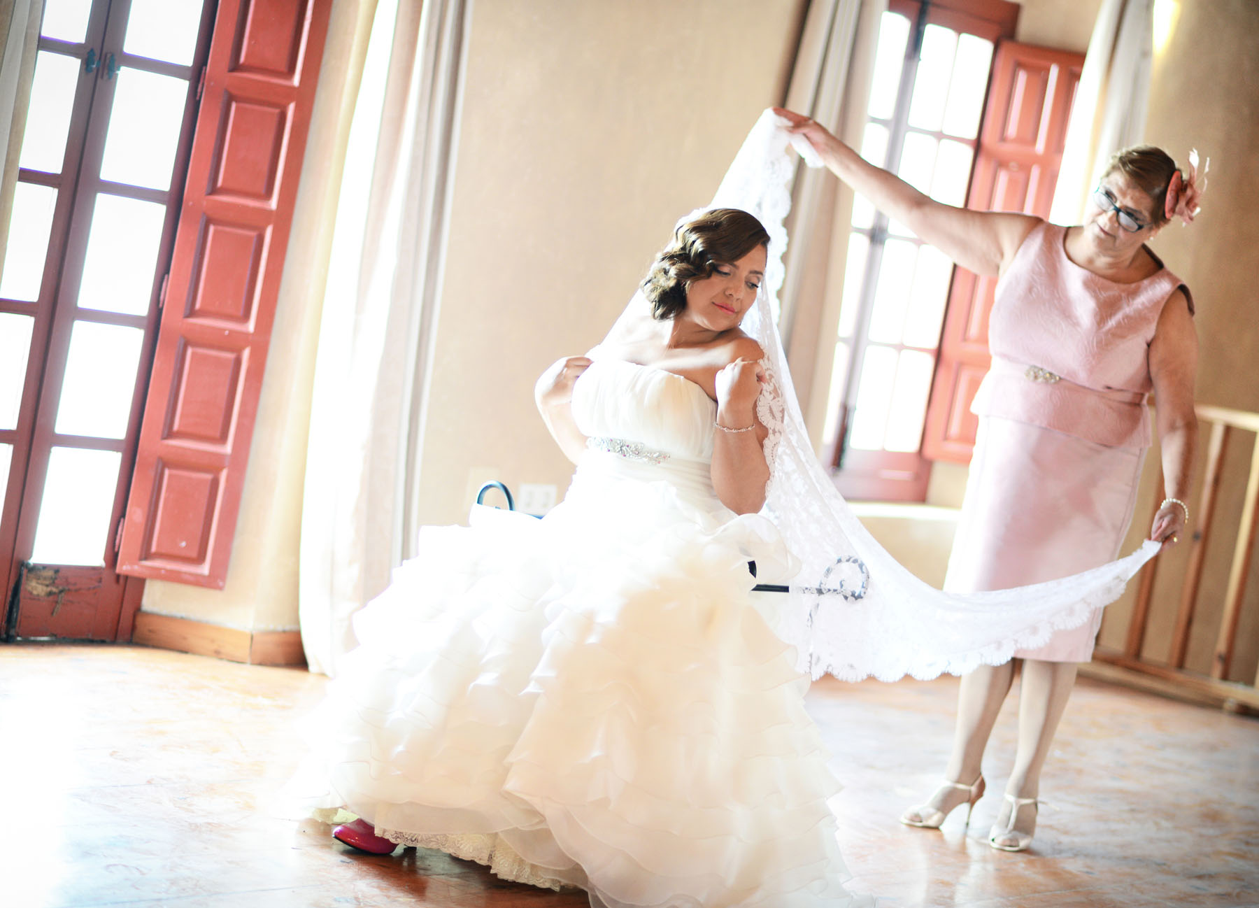 Pizarra bride wedding photos
